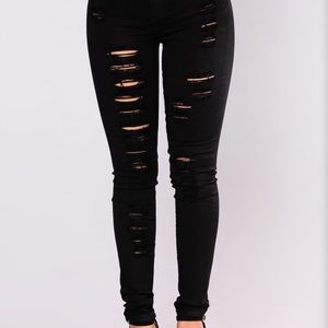 Blackout Distressed Jeans!